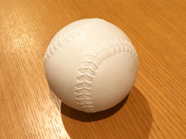 【腰痛グッズ】<br>ソフトボールがゴルフ腰痛に最適!?