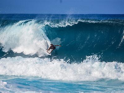 【腰痛トリビア】<br>サーフィンのメッカには腰痛の名医が多い!?